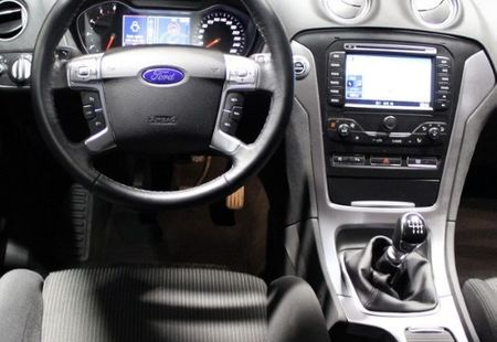 FORD MONDEO 2/4