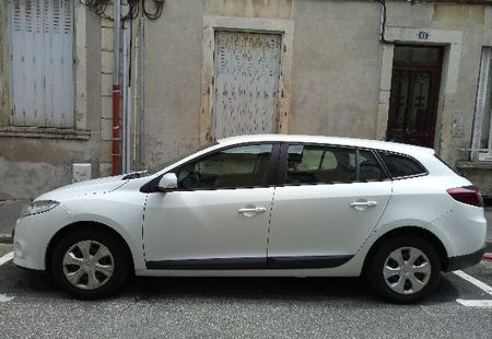RENAULT MEGANE III ESTATE 1/4