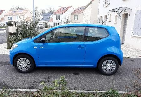 VOLKSWAGEN UP 3/4