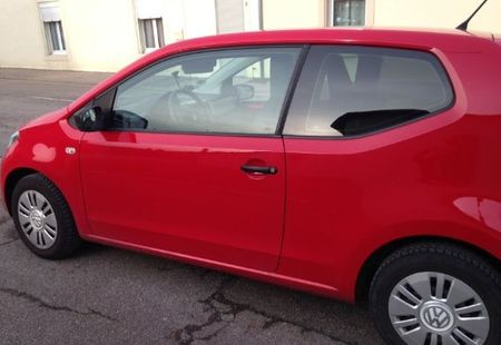 VOLKSWAGEN UP 2/3