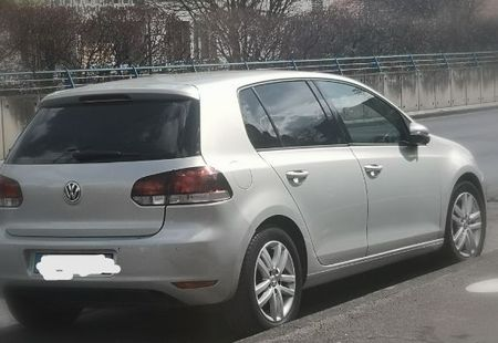 VOLKSWAGEN GOLF 1/3