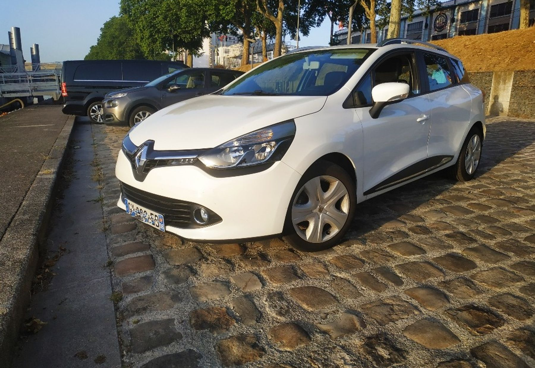 RENAULT CLIO III ESTATE 1/4