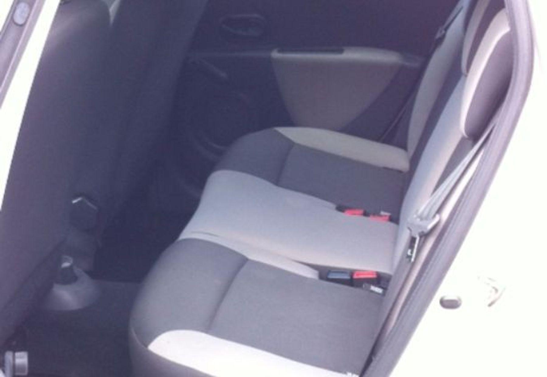 RENAULT CLIO III ESTATE 3/4